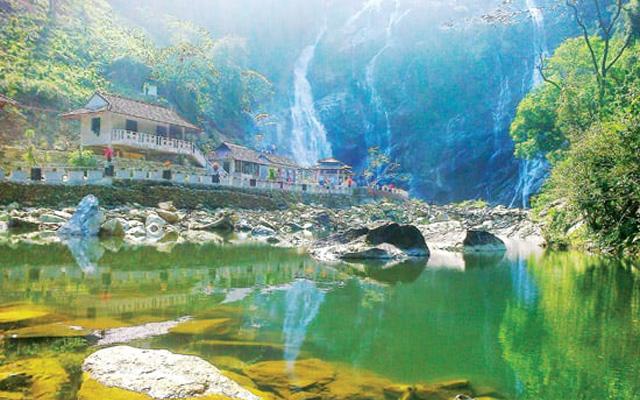 Quảng Ngãi - Điểm du lịch quên lối về dành cho khách du tham quan